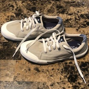 Youth Sperry sneakers, size 3